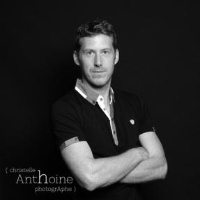 Portrait studio photographe noir et blanc Saint brieuc Christelle Anthoine