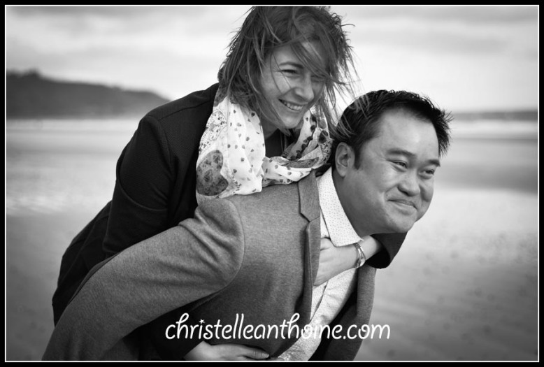 Photographe Bretagne Saint Brieuc séance engagement couple plage des rosaires Christelle Anthoine
