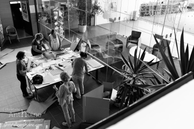 photographe-corporate-bretagne-atelier-meuble-en-cartons-icone-home-pour-bleu-pluriel-tregeux41