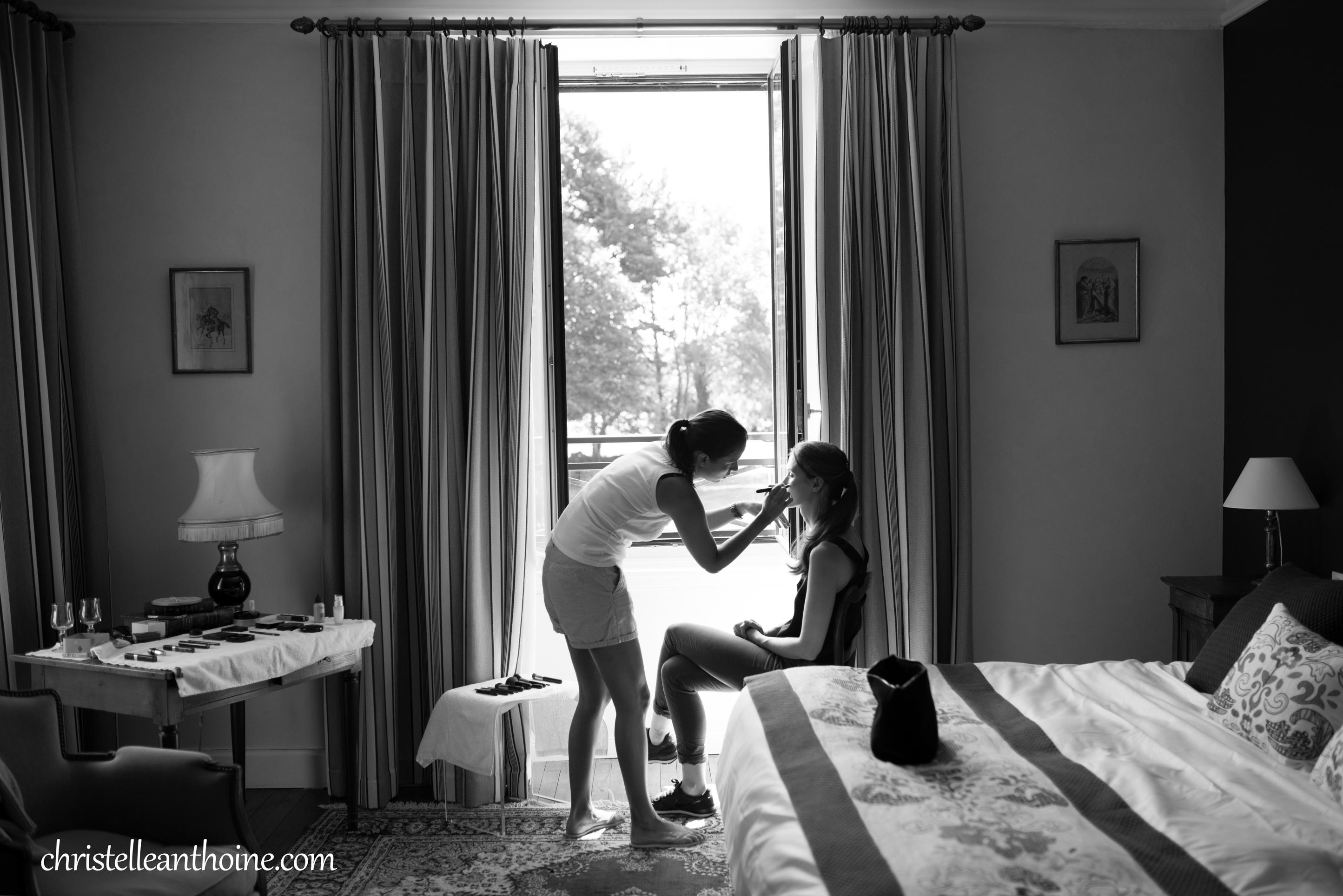 Christelle Anthoine Photographe mariage bretagne côtes d'armor château de Kergrec'h plougrescant préparatif mariée