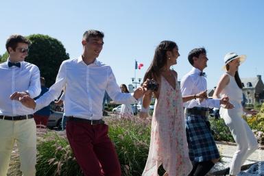 Photographe mariage bretagne mariés plougrescant côtes d'armor -10