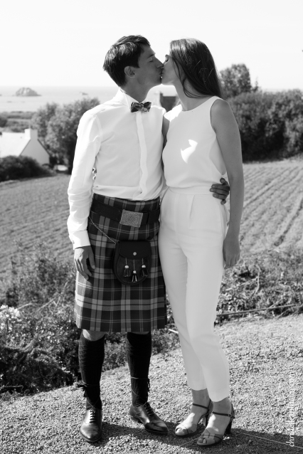 Photographe mariage bretagne mariés plougrescant côtes d'armor -21