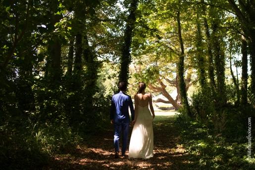 Photographe mariage bretagne mariés plougrescant côtes d'armor -69