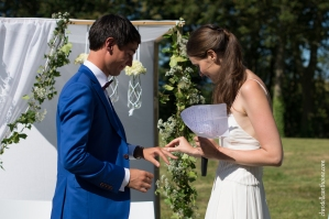 Photographe mariage bretagne mariés plougrescant côtes d'armor -83